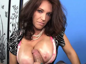 CFNM bigtitted mummy milking lubed man..